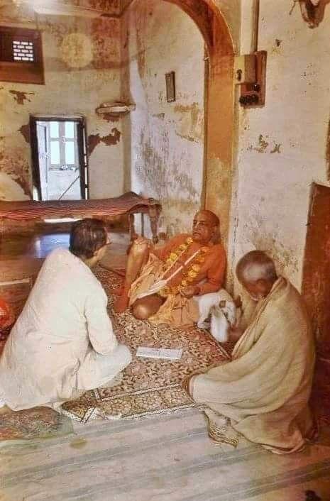 Šrila Bhakti Vaibhava Puri Gosvamis ir Šrila Prabhupada