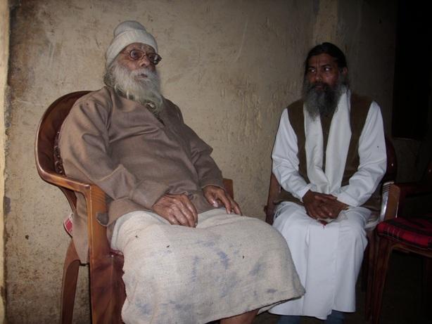 ŠRI HARIDASA ŠASTRI MAHARADŽAS ir Satja Narajana das Babadži (dešinėje)